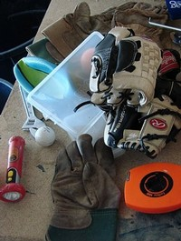 Baseball_gloves_everywhere2_2