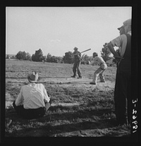 Farmers_playing_baseball