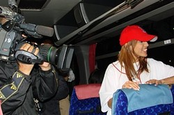 Japan_trip_reporter_on_bus